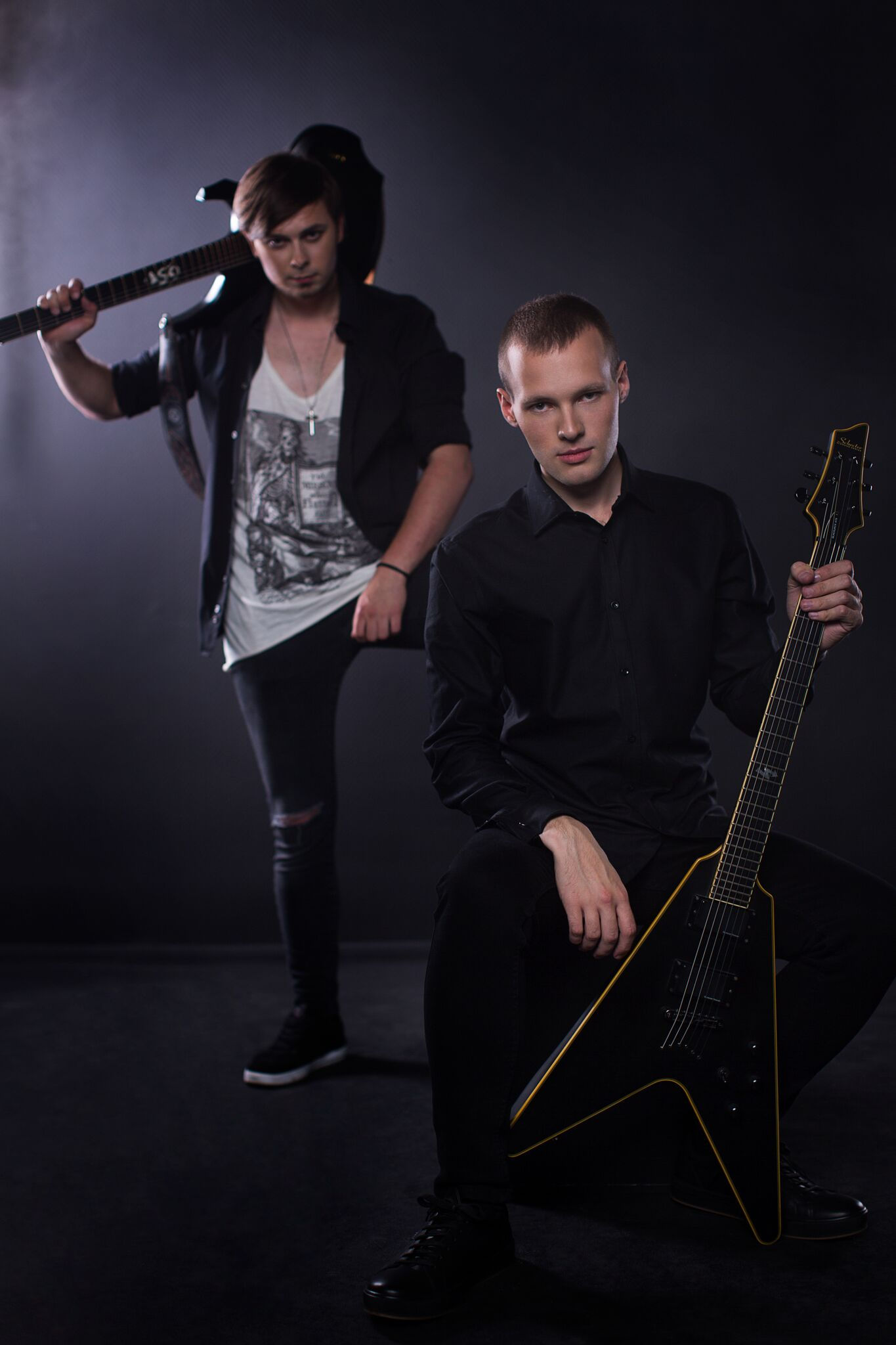 Sasha V. and Ilya Dykin (guitars)